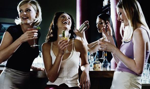 women drink alcohol 380497